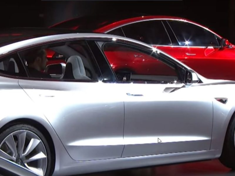 Tesla Model 3 : the average selling price reached $60,262