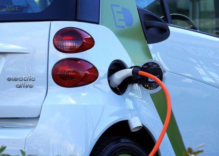Greece electromobility : Share of 10% up to 2030