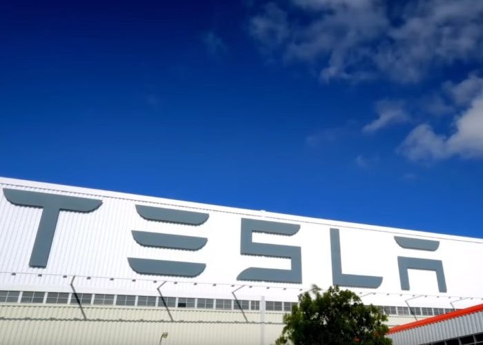 Greece : Tesla opens jobs in Athens