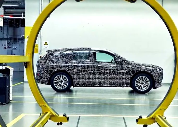 Electric BMW iNext will have smart glass windows