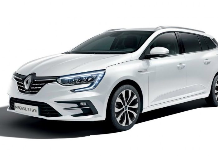 Renault Megane revealed with plug in hybrid technology